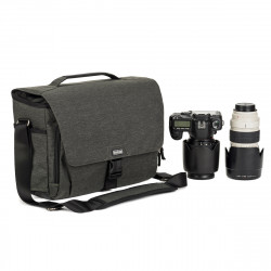 Think Tank Vision 15 (Graphite Black)
